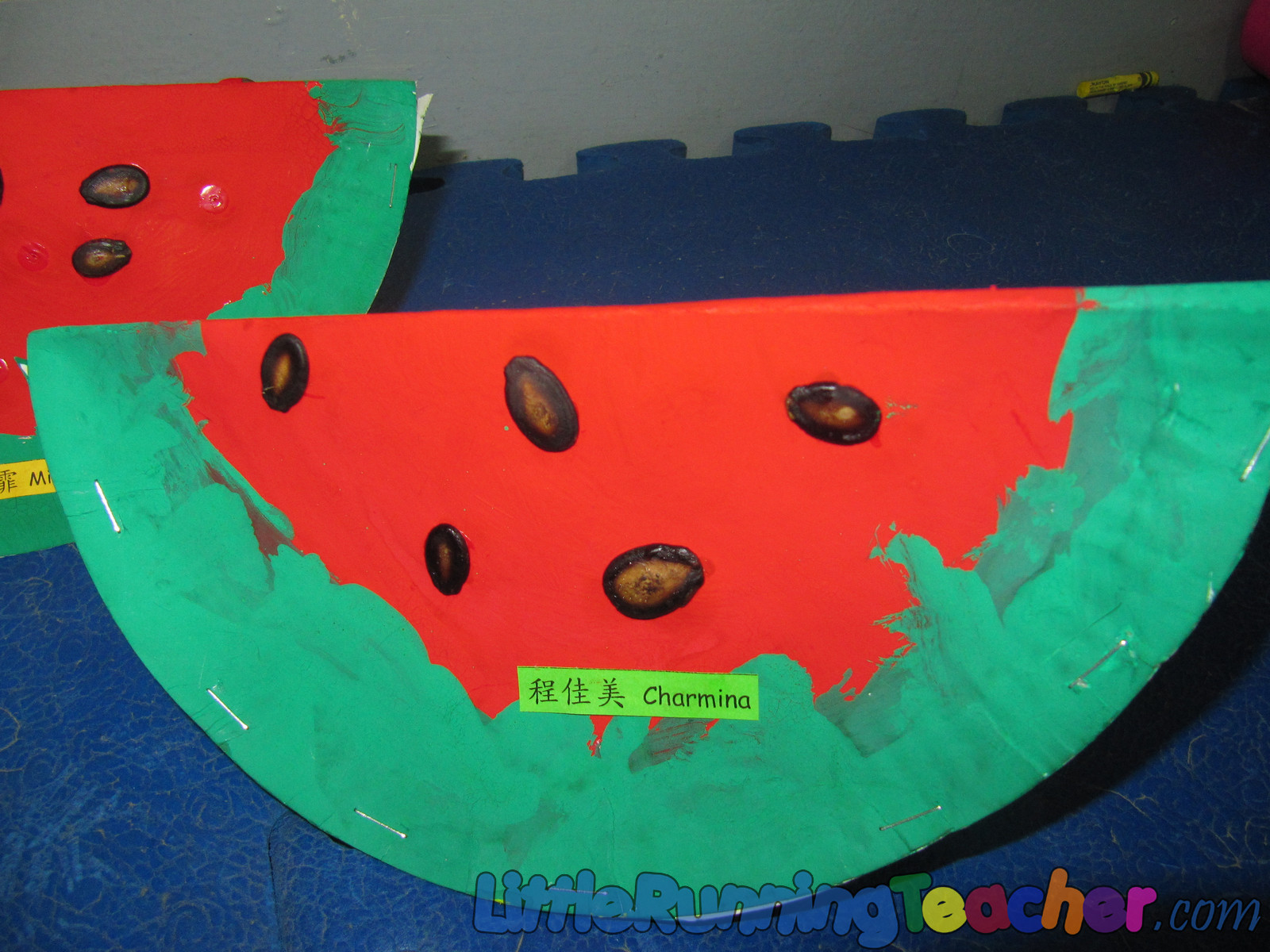 paper plate watermelon This easy and simple paper plate watermelon craft project will keep your kids busy creating and using their imagination all summer long.
