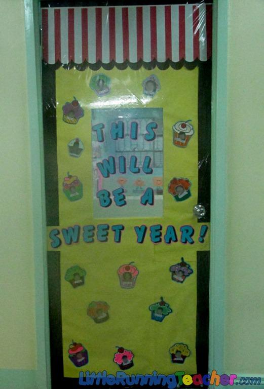 Teacher door designs preschool door bulletin board for Back to school classroom door decoration ideas