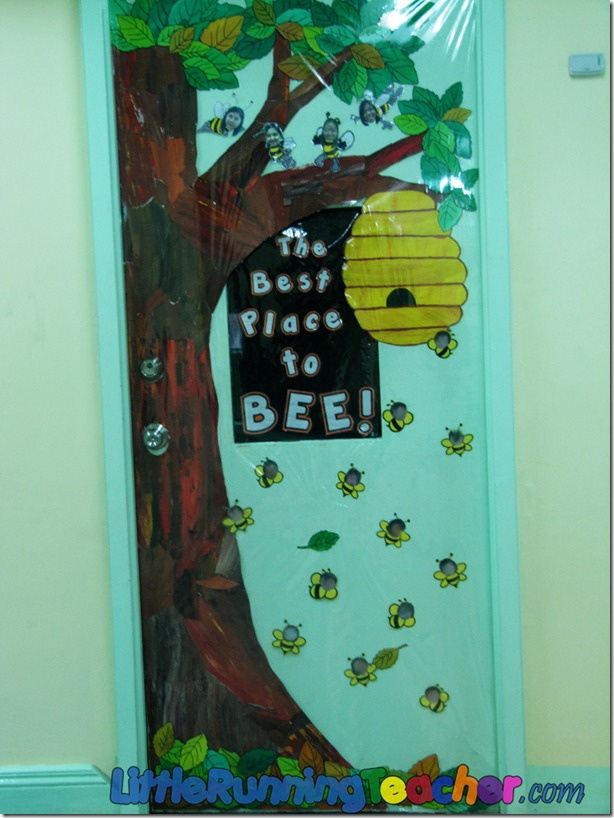Welcome Decoration On Classroom Door ~ Back to school classroom design little running teacher